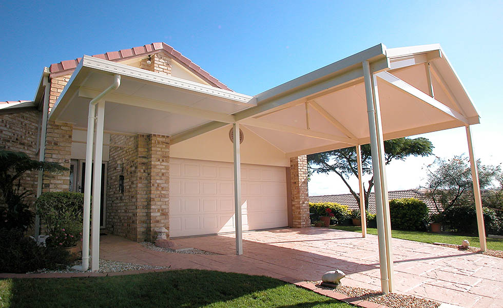 Beginners guide to garages and carports metro garage for Carport ou garage